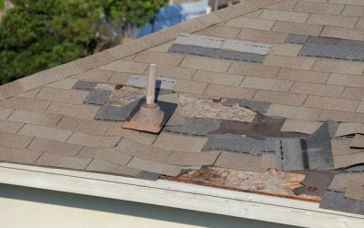"alt=""10 Serious Warning Signs Your Roof Isn\'t Safe - Image 1"""